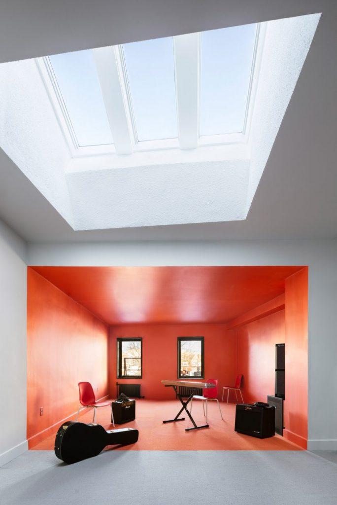 radio-station-forma-interiors-new-haven-usa_dezeen_2364_col_0-852x1275[1]